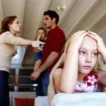 mâu thuẫn gia đình