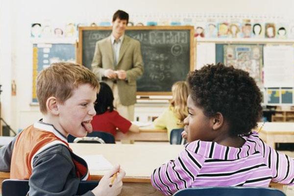 giúp trẻ adhd học tốt ở trường