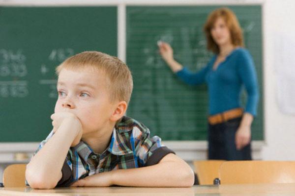 trẻ bị tăng động giảm chú ý ADHD